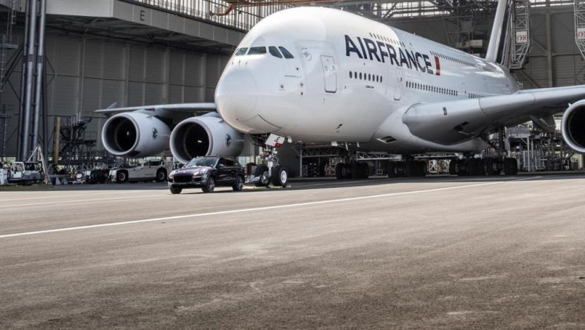 Porsche Partners With Air France, Airbus and Charles De Gaulle International Airport on a new record