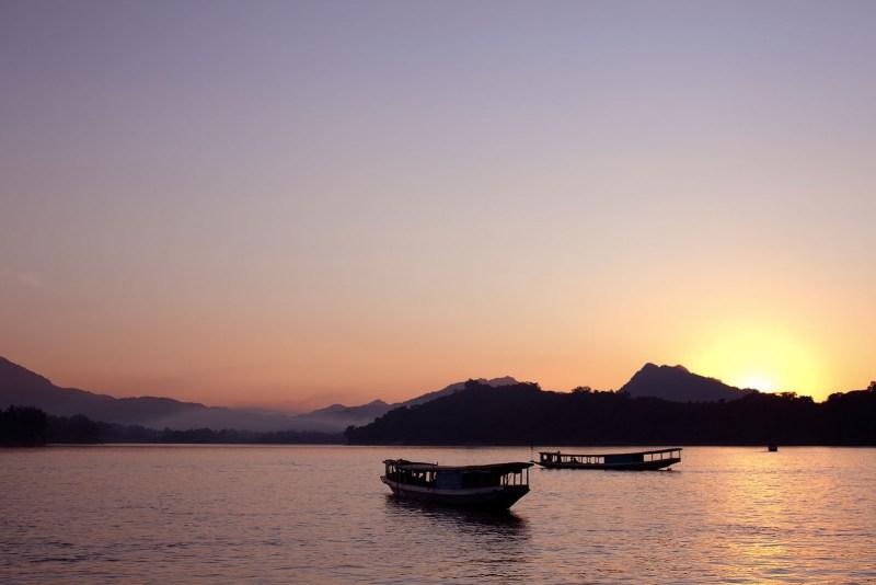 09-Taka-River-Boat_Dusk