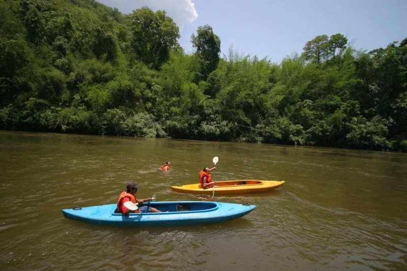 river-kwai-jungle-rafts_canoeing