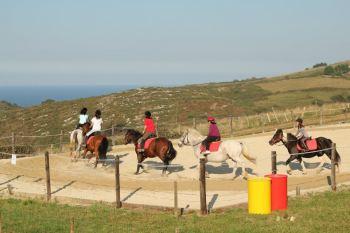 Clases de equitación con Equus Boria en San Vicente de la Barquera