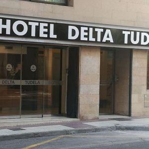 Entrada al hotel Delta Tudela en Tudela en Navarra