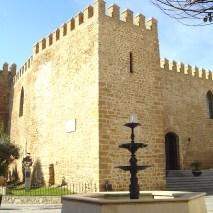 Vista exterior del castillo de Luna en Rota