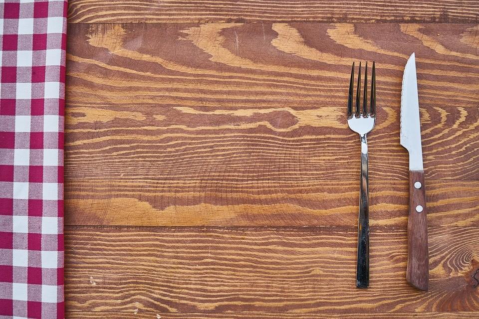 Steakmesser mit Wellenschliff