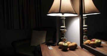 Nachttisch Holz Test