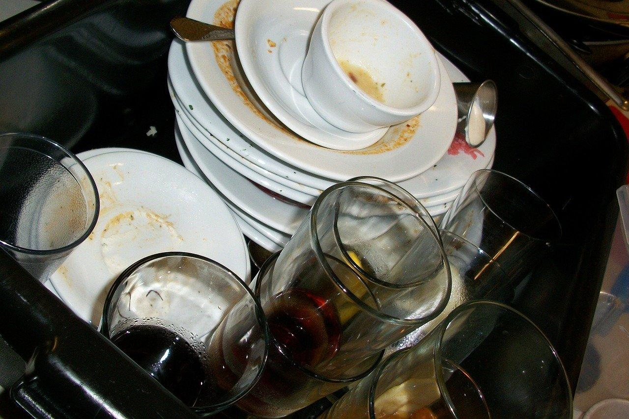 Miele Geschirrspülmaschinen erledigen den Abwasch deutlich schneller und effizienter als mit der Hand.