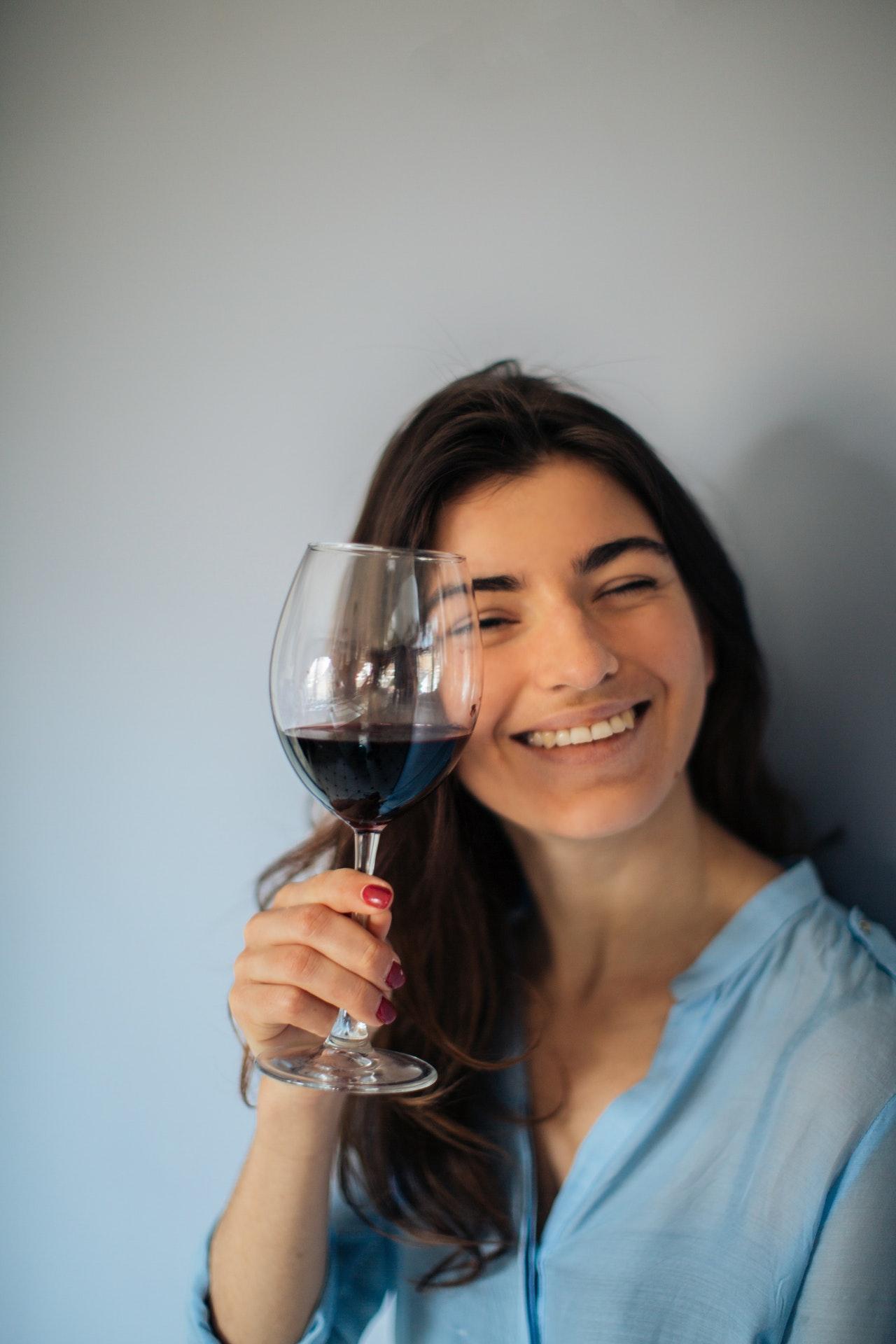 Aus guten Rotweingläsern macht der Weingenuss gleich viel mehr Spaß.