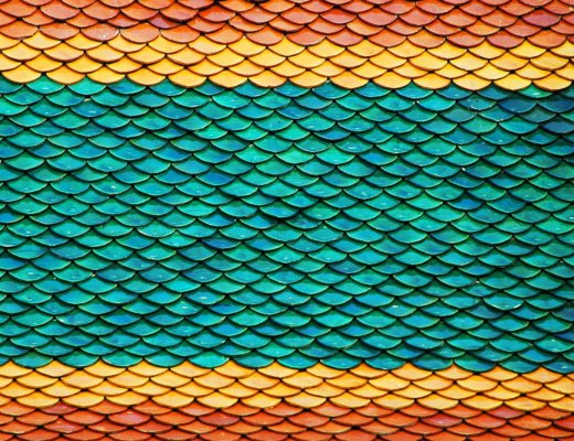 colourful roof tiles in Bangkok