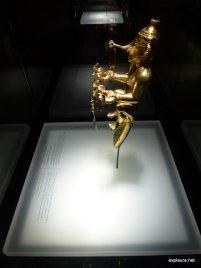 A female shaman (side-on)