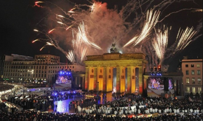 Top 6 Places to Celebrate New Year In Italy   Heading for Rome over Holidays is probably the most obvious choice  and  with good reason  In addition to the festivities in Rome itself  you also  have