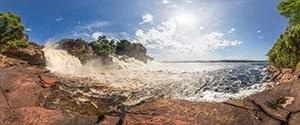 Laguna de Canaima Waterfalls