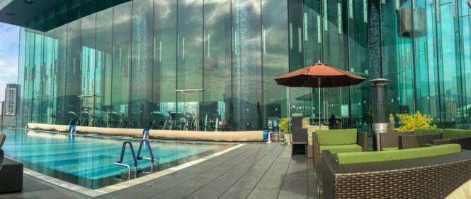Pool auf dem Hotel Icon
