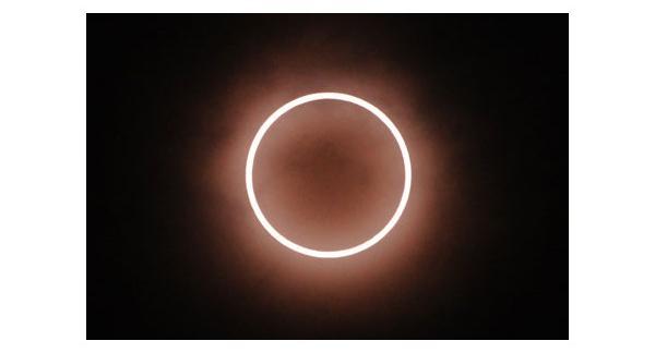 Sun_Eclipse_2016_Tour_Indonesia
