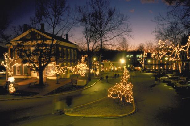 Christmas Town In Georgia Dahlonega.Dahlonega Christmas Time Thecannonball Org