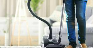 8 Steps - How To Use A Vacuum Cleaner
