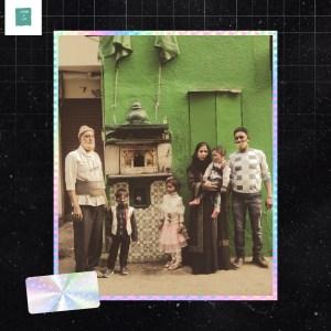 Family seeking blessings of Hastibibi