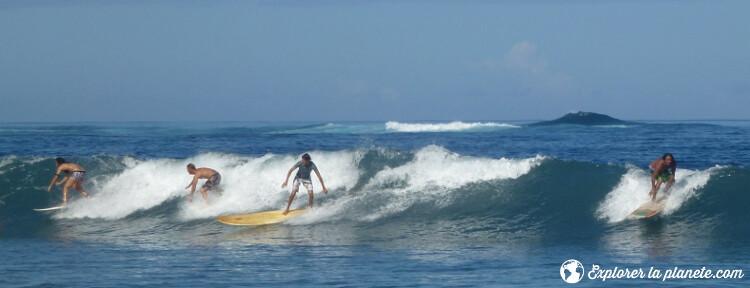 iles-visiter-polynesie-francaise-surf-tahiti