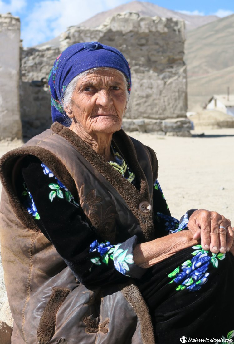 Vieille femme à Bulunkul