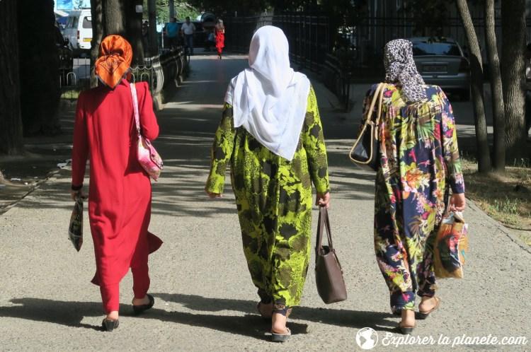 Femmes à Douchanbé au Tadjikistan