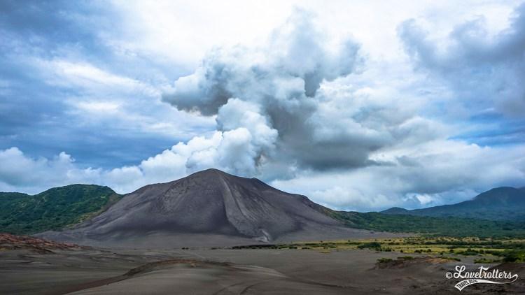 Volcan Yasur sur l'ile de Tanna au Vanuatu destinations en dehors des sentiers battus