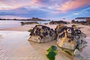 Steine am Strand Bretagne 0498