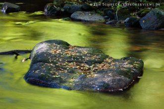 Granitstein im Wasser