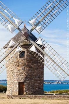Windmühle Bretagne Meer