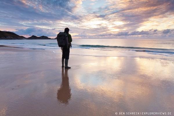 Fotograf und Autor am Meer