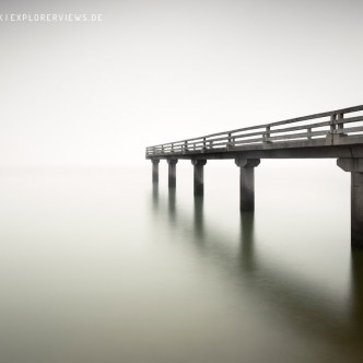 Steg im Nebel Meer 4257b