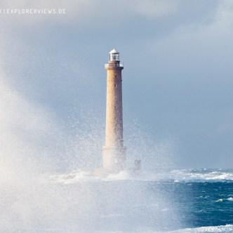 Leuchtturm im Meer 0823