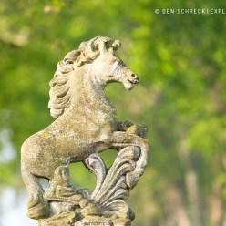 Pferdestatue 1