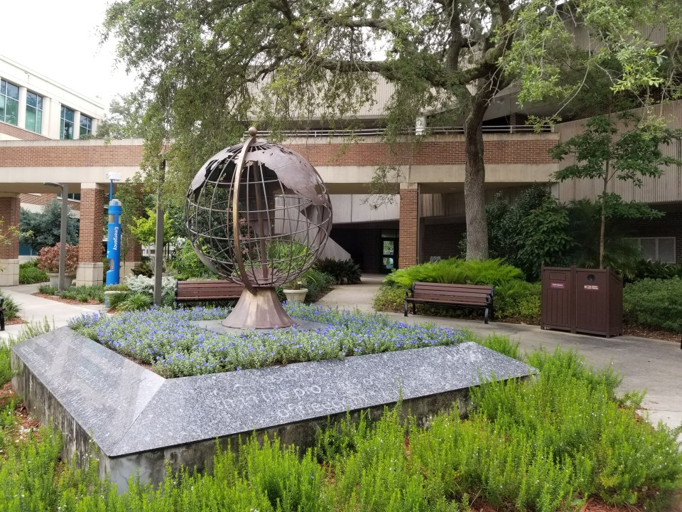 the globe sculpture is a thing to do in Jacksonville FL