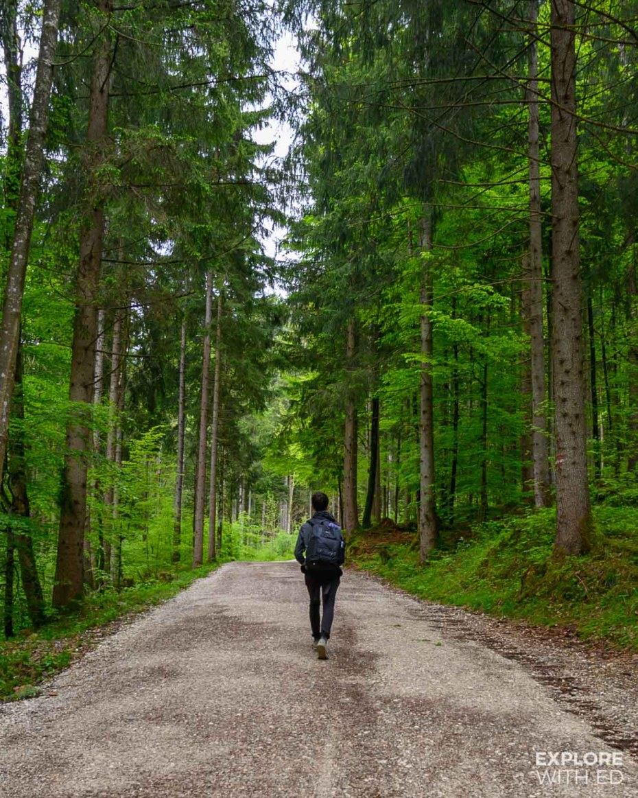 The walking route to Marienbrucke and Neuschwanstein Castle from Hohenschwangau
