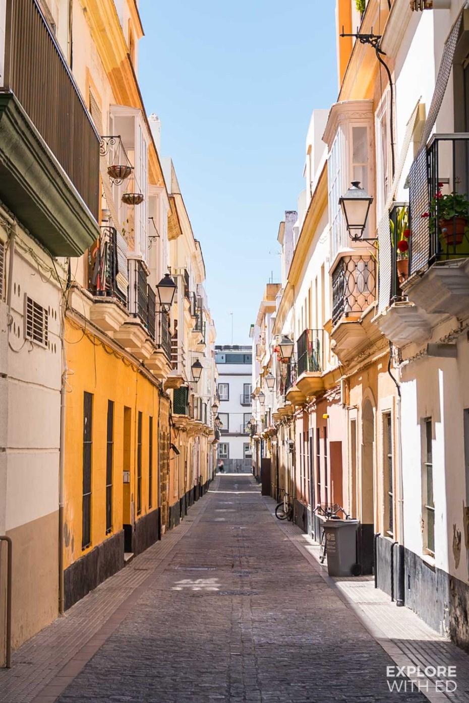The narrow side streets of Cadiz, Spain