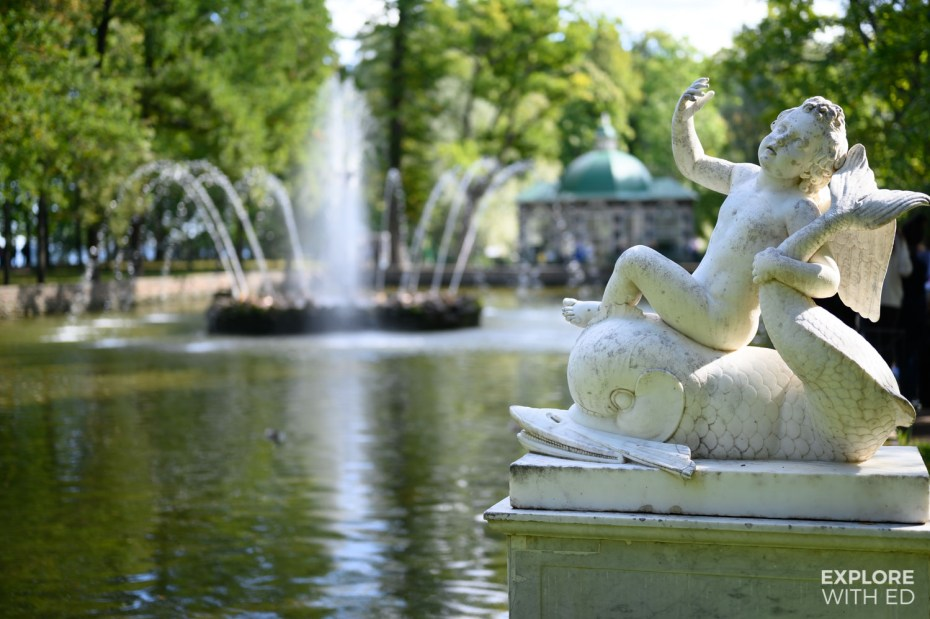 Trick fountains in the Lower Garden, Peterhof Palace