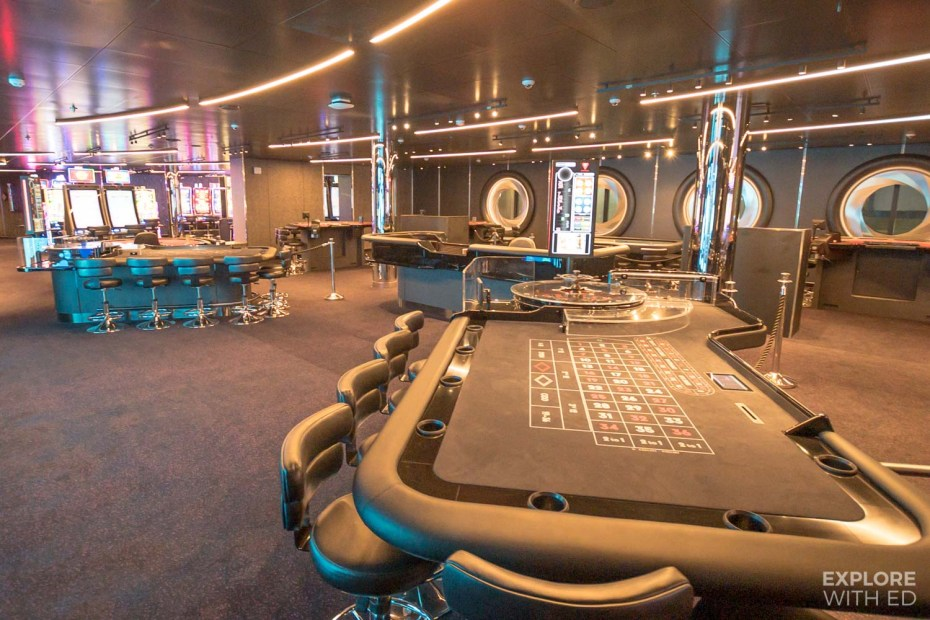 Casino Scarlet Lady