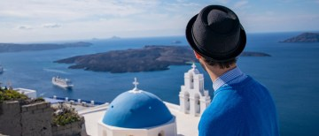 Travel blogger Explore With Ed in Santorini, Greece
