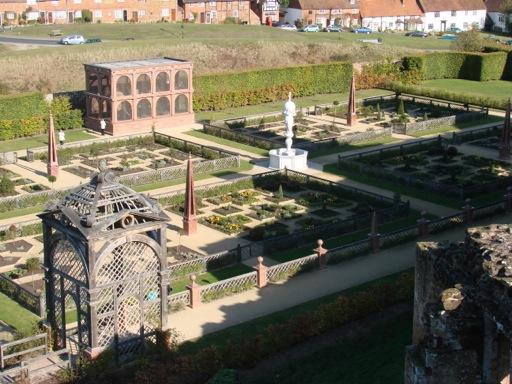 Kenilworth Castle Elizabethan Garden