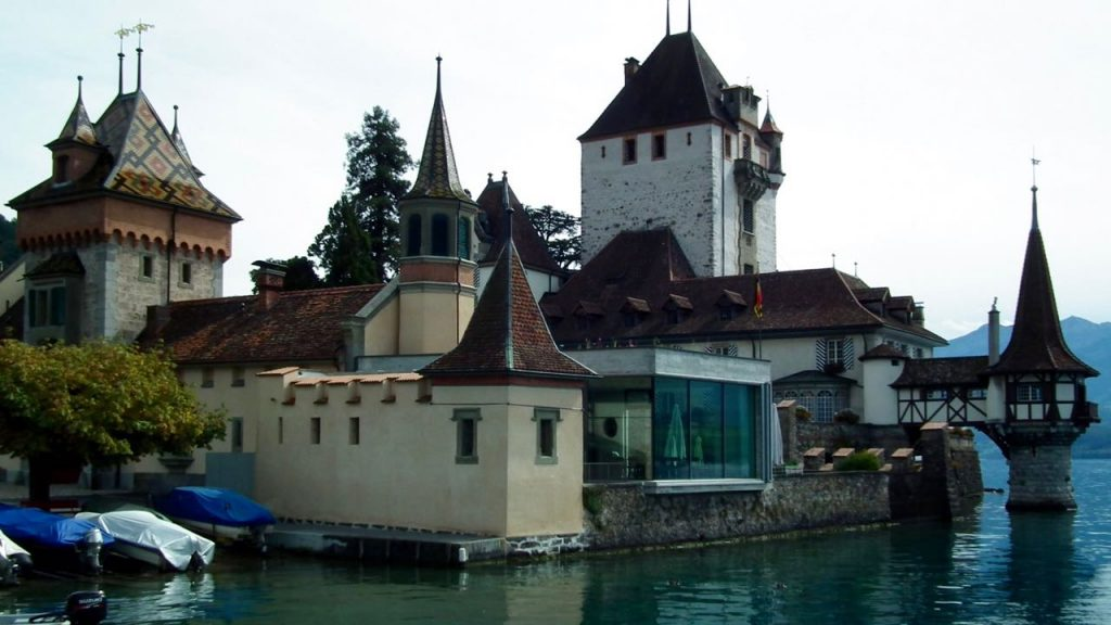 The outline of Oberhofen Castle from the lake. Note that there's been a lot of modern renovations: that glass cafe definitely isn't Medieval. Credit: Paul Gover, CC-BY-2.0
