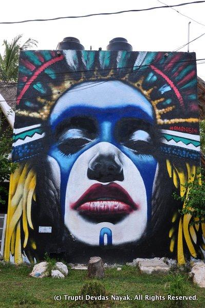 Woman-Face-Street-Art-Holbox
