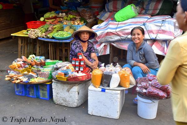 Market Vendors Hanoi