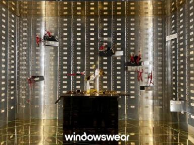 vitrine prata Kleinfeld NYC 2019