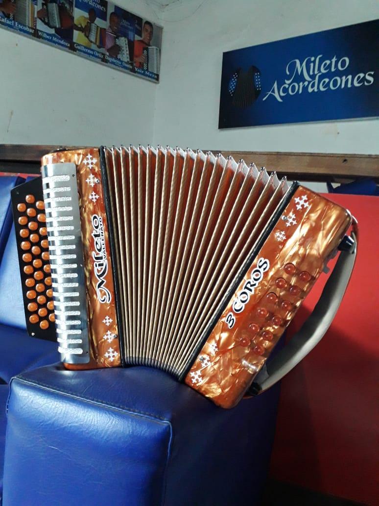 Agradecido con Dios está José Luis Sierra, el único fabricante de acordeones en la región Caribe que ha traspasado fronteras, al enviar sus instrumentos a los mercados de Australia, España, Francia, Holanda, Estados Unidos, Curazao, Aruba, Costa Rica, Argentina, México y Panamá.