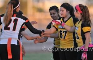 MEXICALI, B.C, OCTUBRE 04. Acciones del encuentro entre Zorritas y Coyotes en la Liga Baja Flags, Campo de Cetys. (Foto: Felipe Zavala/Expreso Deportivo).