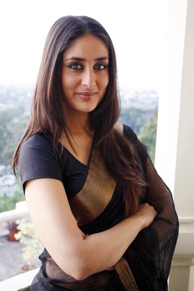 Bollywood actresses Kareena Kapoor in black saree