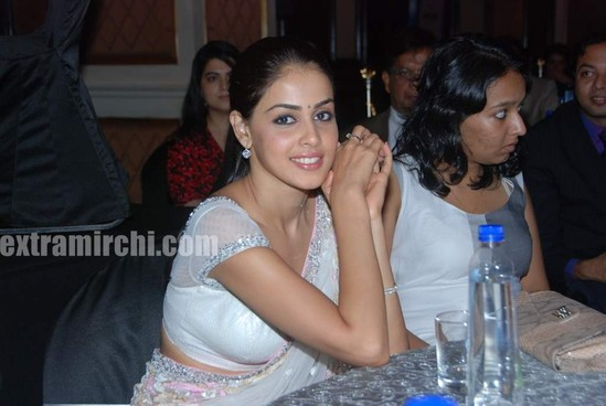 Genelia-dsouza-at-CNBC-Awaaz-Consumer-Awards-9.jpg
