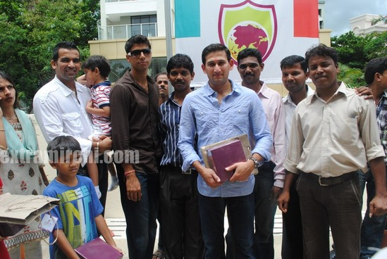 Tina-Ambani-Ajit-Agarkar-Zaheer-Khan-and-Ashish-Nehra-during-the-inauguration-of-SJBCN-International-School-3.jpg