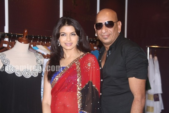 Bhagyashree-with-designer-Salim-Asgarally.jpg
