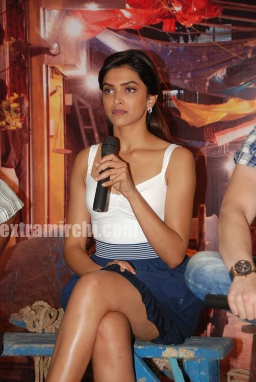 Deepika-at-Lafangey-Parindey-press-meet-14.jpg