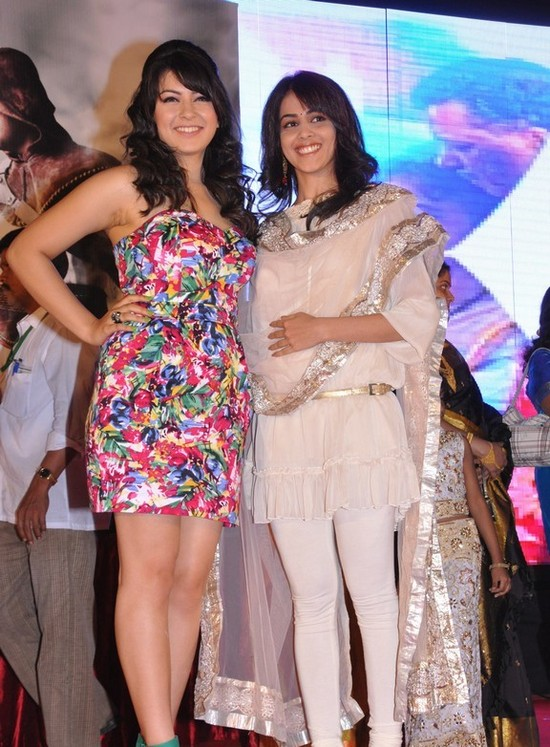 Genelia-and-Hansika-Motwani-at-Velayudham-pooja.jpg