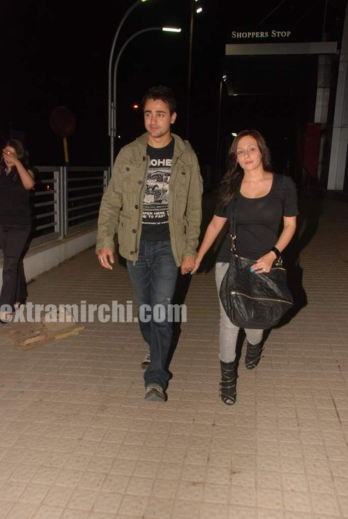 Imran-Khan-and-girlfriend-Avantika-Malik-pics-1.jpg